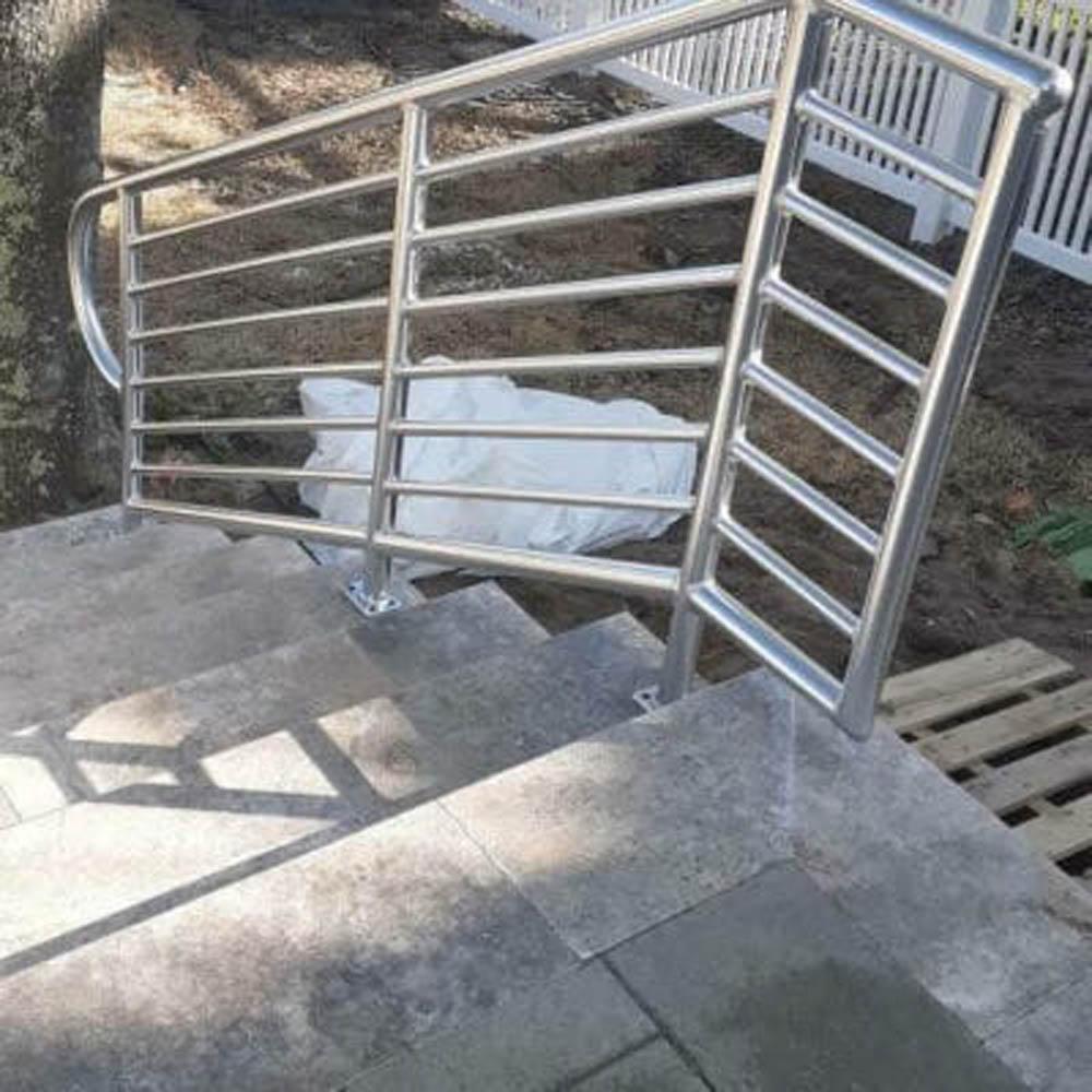 residential code handrails